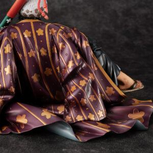 Trafalgar-Law-figure-cloak