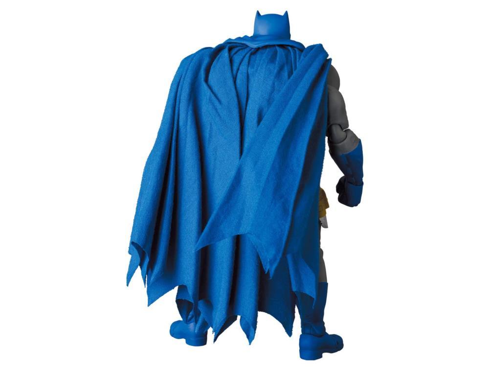 MAFEX BATMAN figure