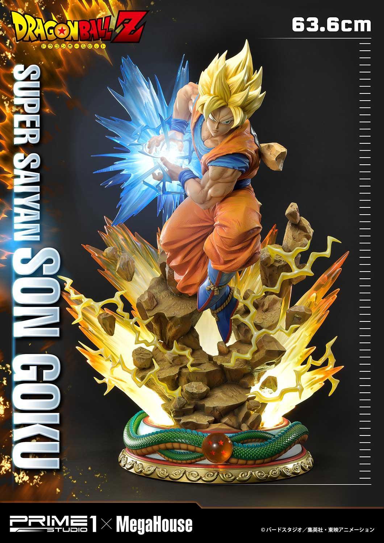 Super Saiyan Son Goku statue