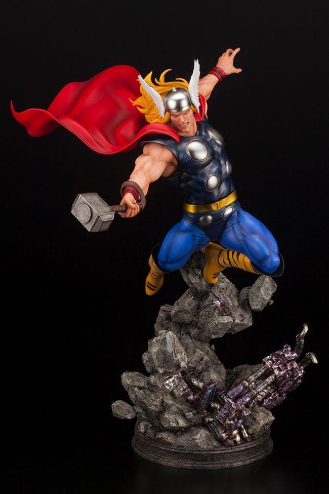 Marvel Thor statu